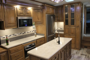 2019-DRV-Luxury-Suites-Fullhouse-JX450-Kitchen