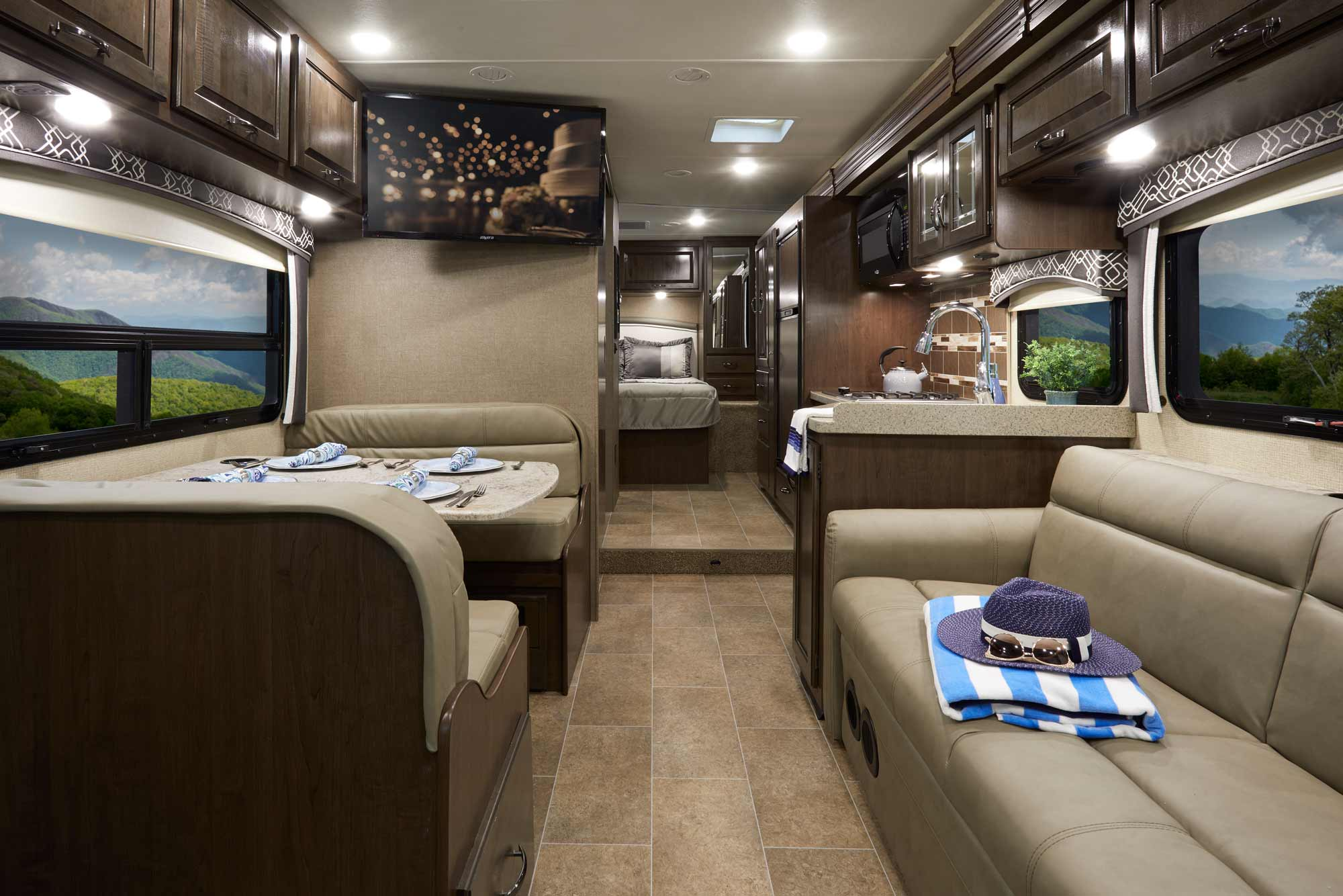 Thor Chateau Class C Motorhome Review: Take Your Home on the Road
