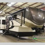 DRV Luxury Suites Aire MSA 40 Fifth Wheel