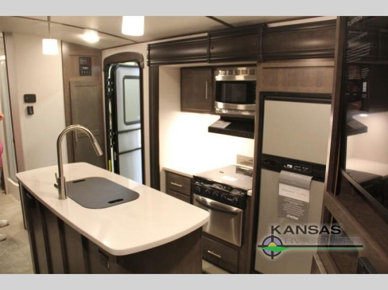 Crossroads Sunset Trail Super Lite Travel Trailer Kitchen