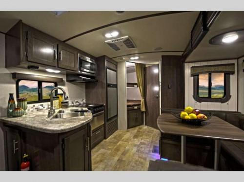 CrossRoads Sunset Trail Super Lite Travel Trailer Interior