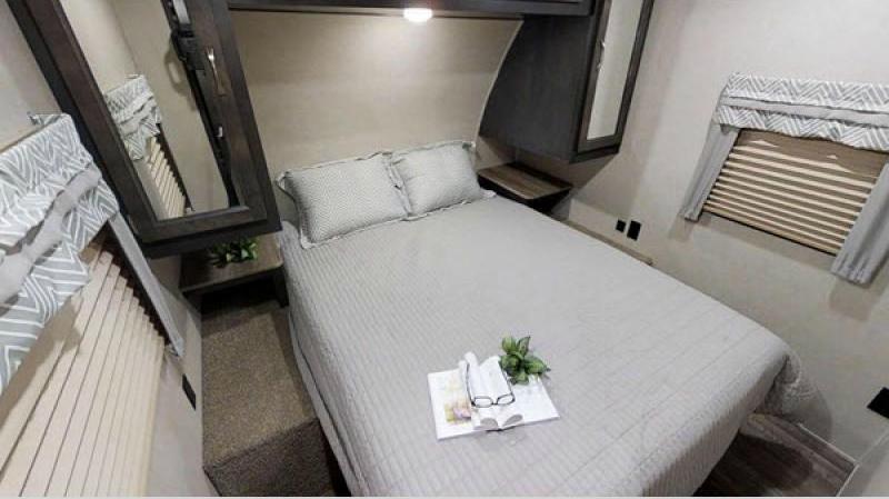 palomino puma bedroom with grey bedspread