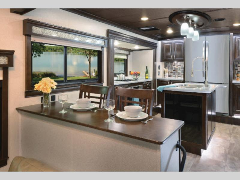 riverstone fifth wheel dining