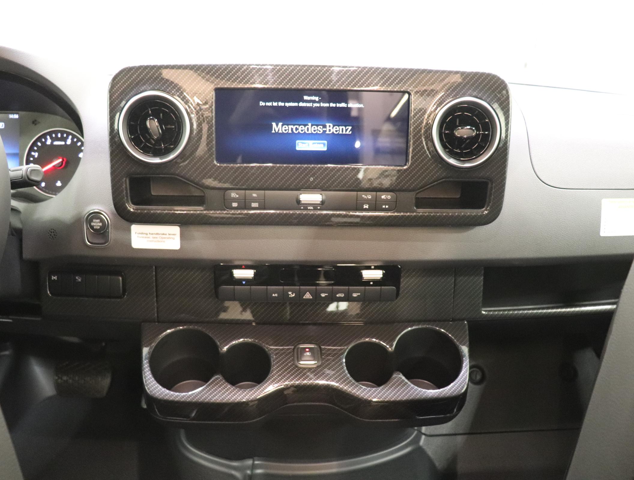 Mercedes Benz VS30 | Lichtsinn RV Blog