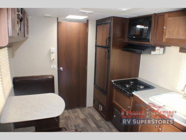 Crossroads Bullet Crossfire travel trailer interior