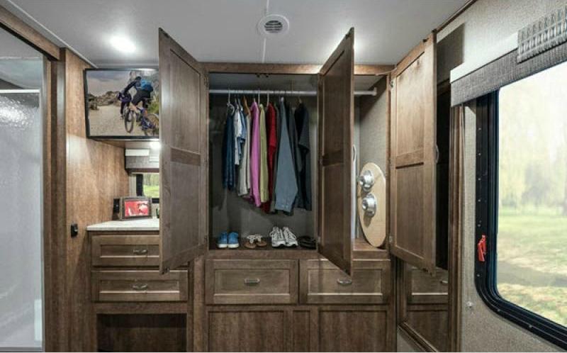 winnebago intent closet with door open