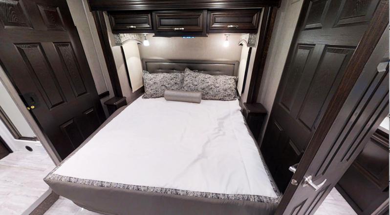 berkshire diesel motorhome bedroom