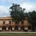 Zanetta_House-Plaza_Hall_in_San_Juan_Bautista_State_Historic_Park_in_San_Juan_Bautista,_California