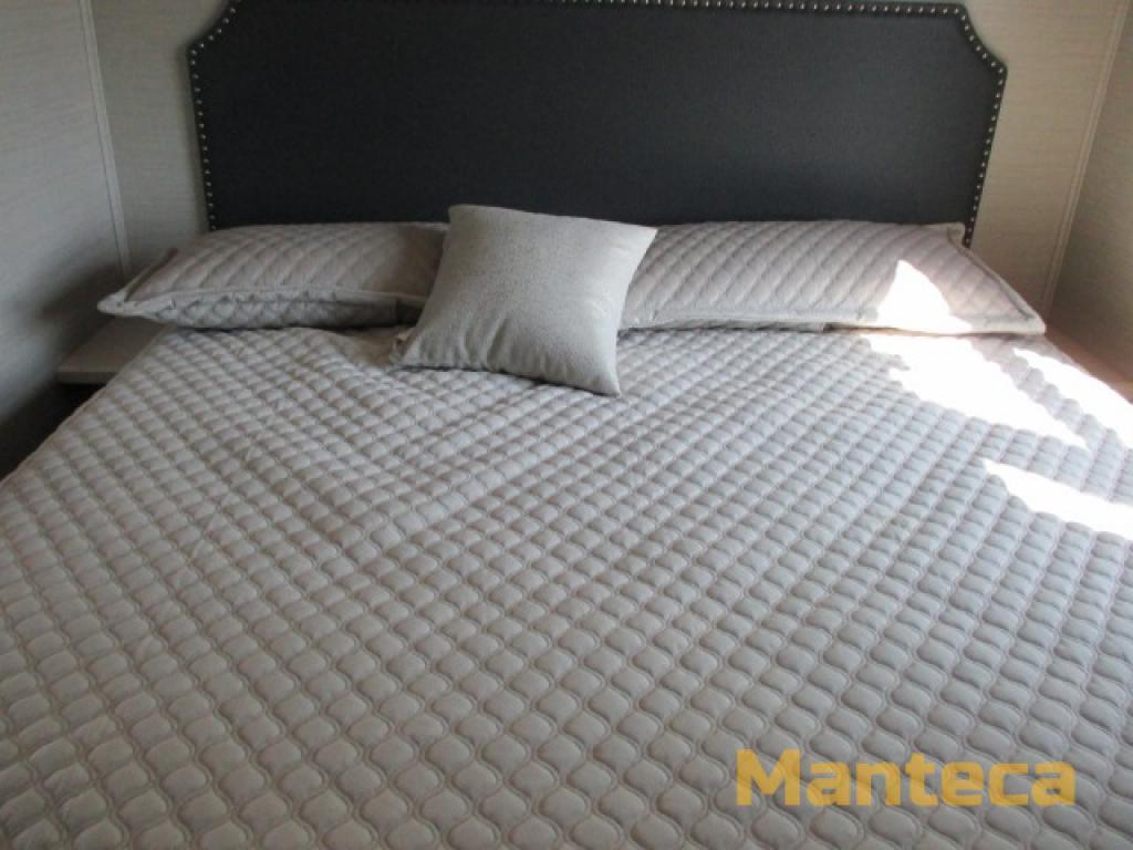 Precept 29V Bedroom