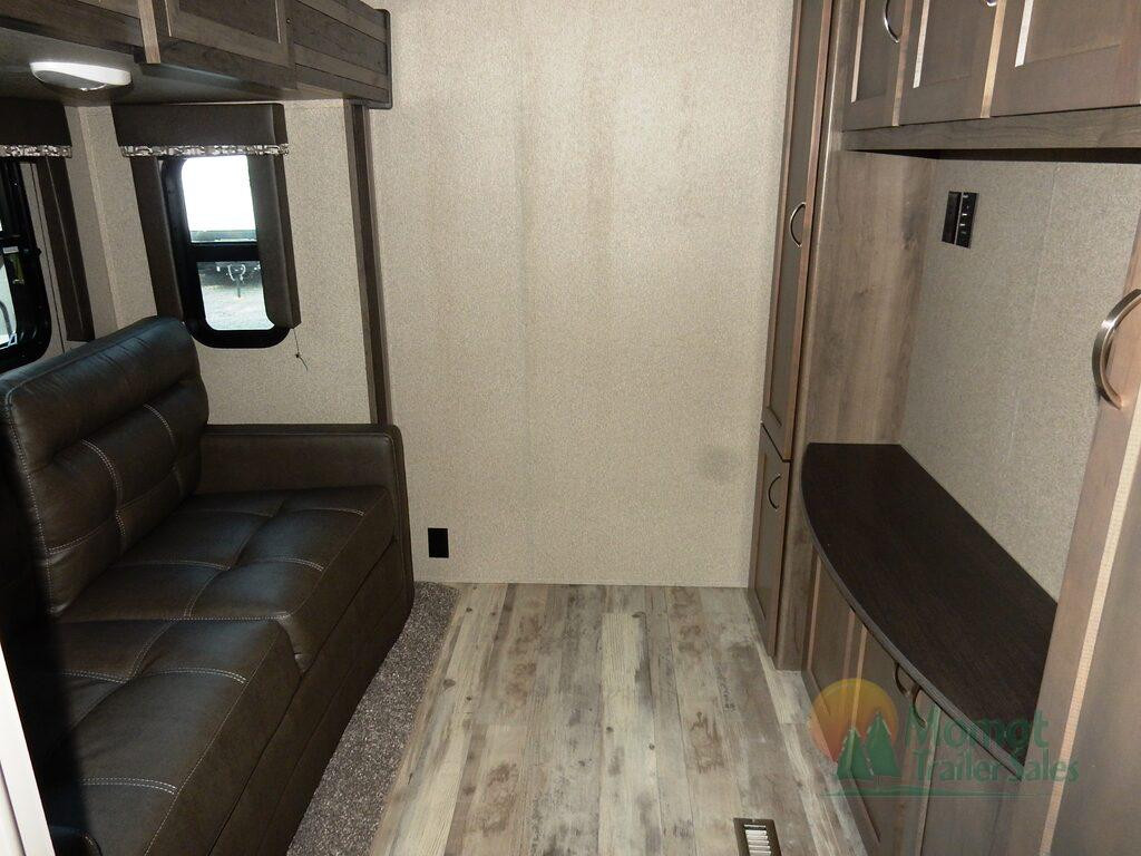 Sprinter 3571FWLFT Second room
