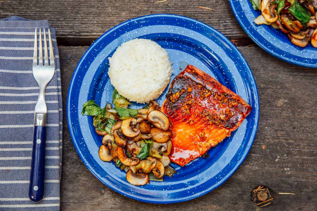 Honey-Glazed-Salmon-with-Veggies