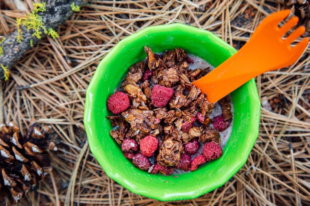 Homemade-Chocolate-Granola-Backpacking-Breakfast-3