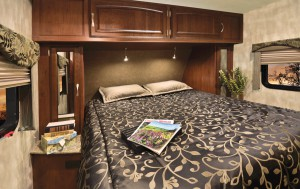 Winnebago ultralite-33bhsl-bedroom