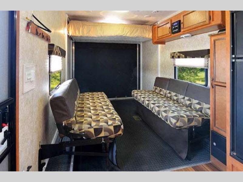 Gulf Stream Track & Trail Toy Hauler Travel Trailer Cargo
