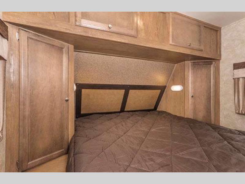 Gulf Stream Streamlite Travel Trailer Master Bedroom
