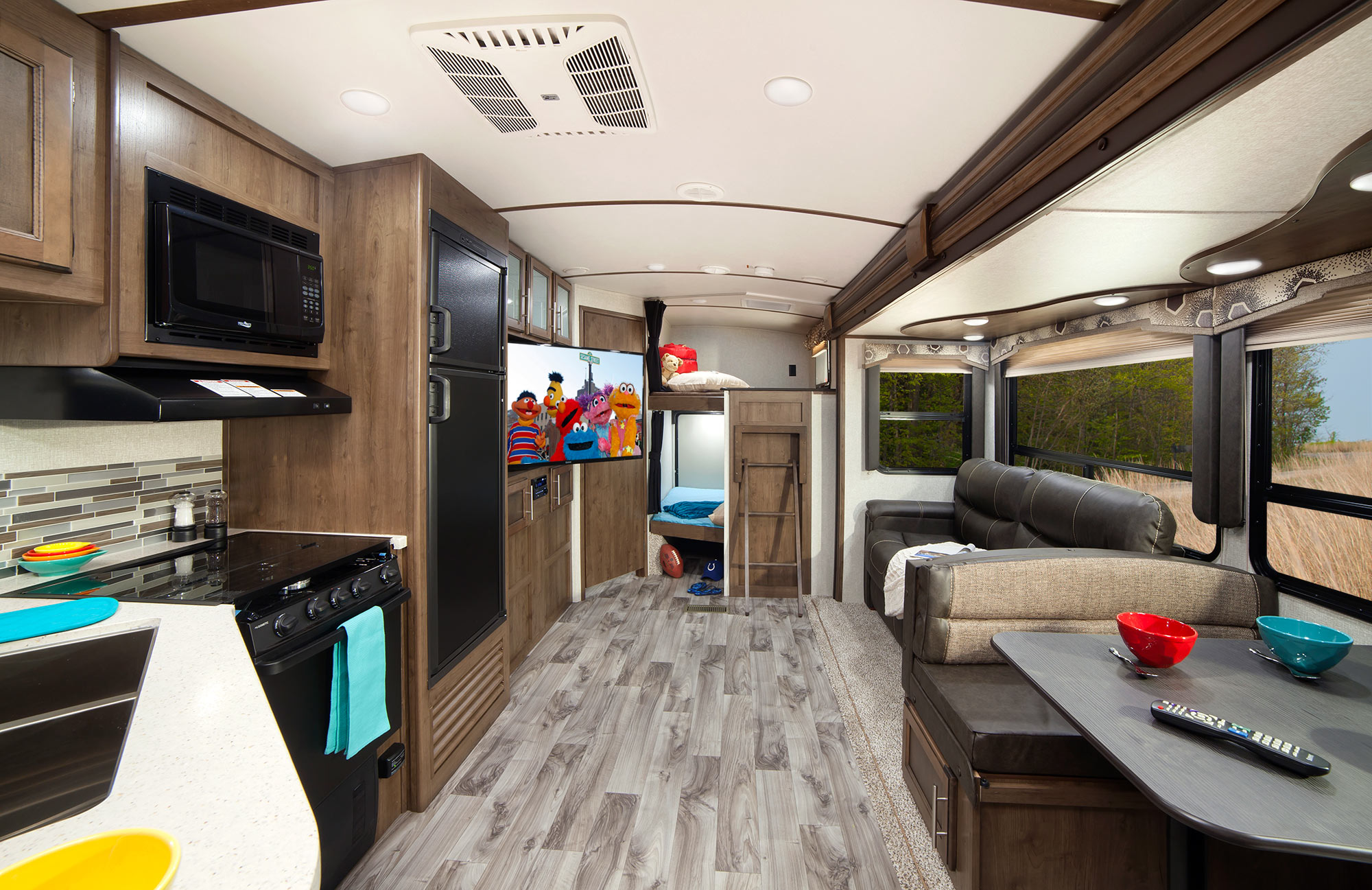 Keystone RV Cougar Travel Trailer Interior