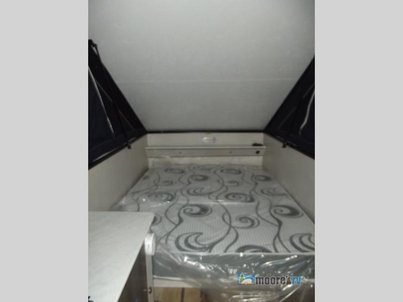 Moore's RV Viking Express Series pop-up Bed