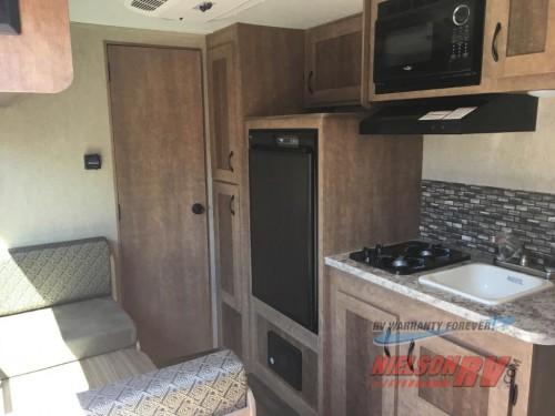 Starcraft Launch travel trailer Interior