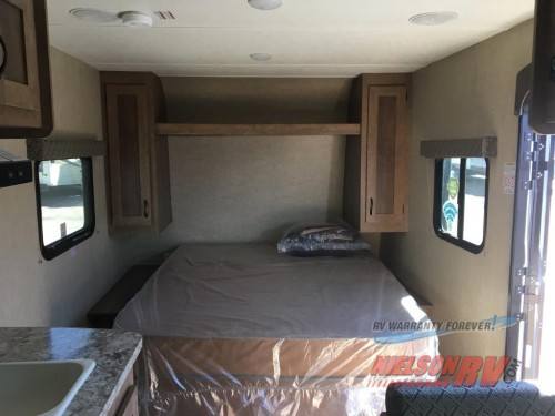 Starcraft Launch travel trailer Bed