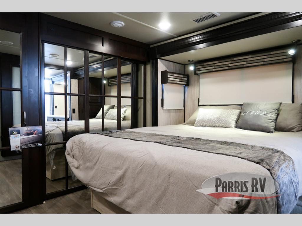 Palomino Columbus Bedroom