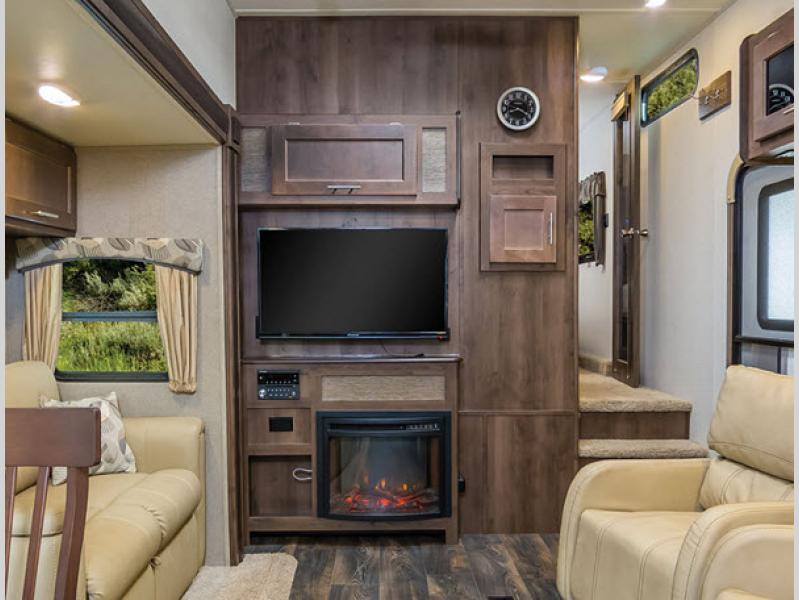 Forest River Wildcat Maxx Fifth Wheel Fireplace