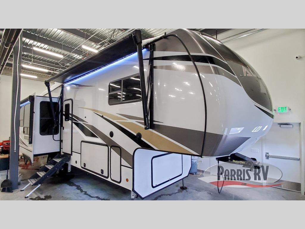 Alliance Paradigm Fifth Wheel Exterior