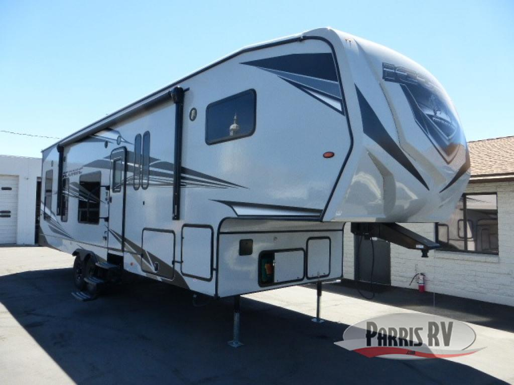 Eclipse Iconic Fifth Wheel Exterior