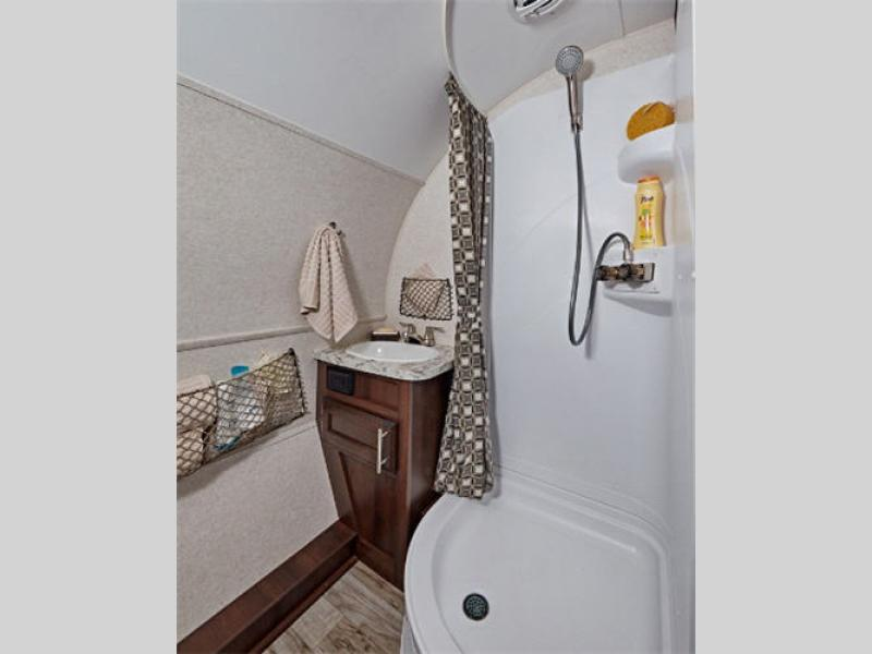 hummingbird travel trailer bathroom