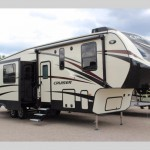 CrossRoads Cruiser Fifth Wheel Review: Luxury for All
