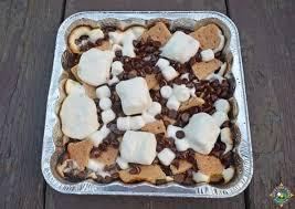 S'mores camping dessert