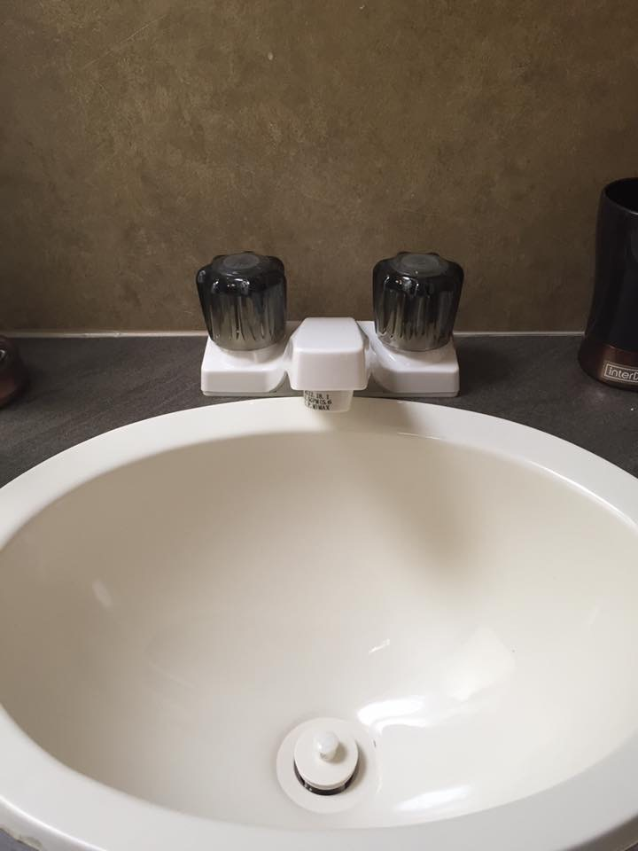 Mods - Bathroom Sink Before
