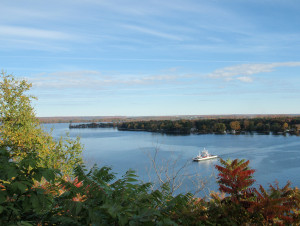 Glenora_Ferry,_Prince_Edward_County_2010_442