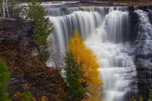 autumn-falls-kakabeka-tim-beebe