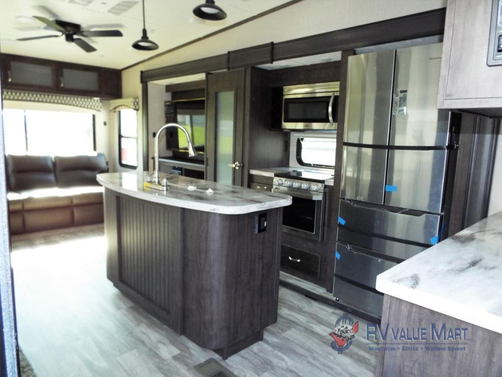 Shasta RVs Phoenix Kitchen
