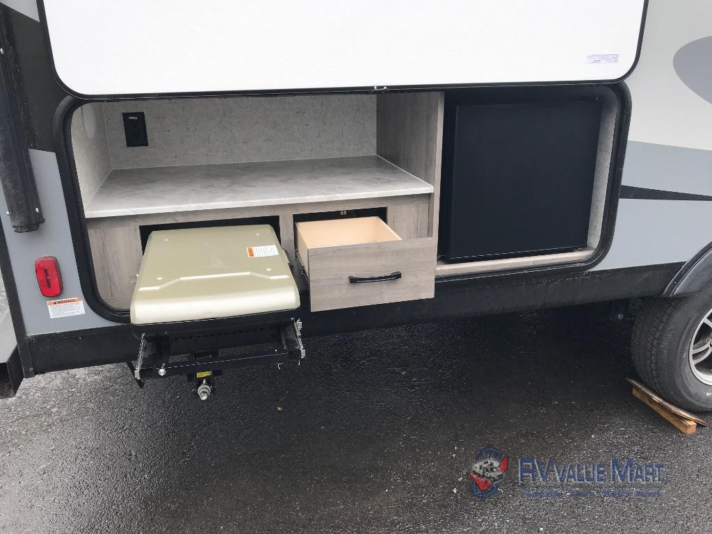 RV Value Mart Coachmen Apex Ultra Lite Travel Trailer Interior