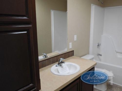 PRT4SC Double Wide Home bathroom