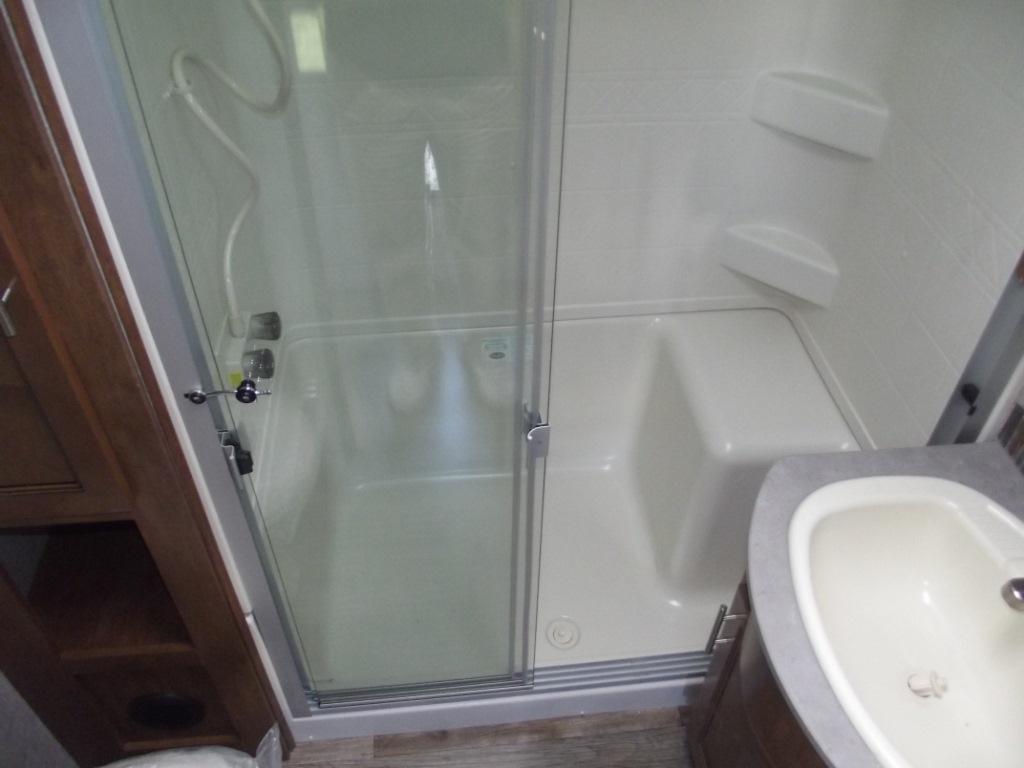 bathroom sabre fifth wheel
