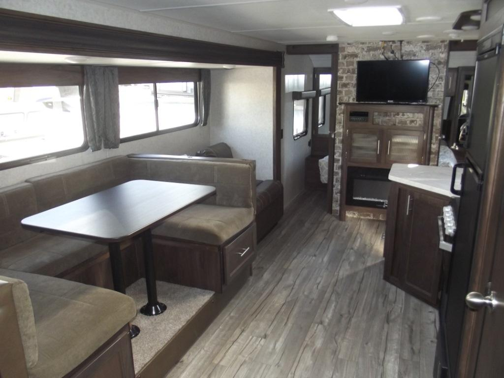 USED 2019 FOREST RIVER RV CHEROKEE GREY WOLF