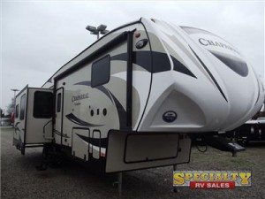 Drive easy with the Chaparral fifth wheel.