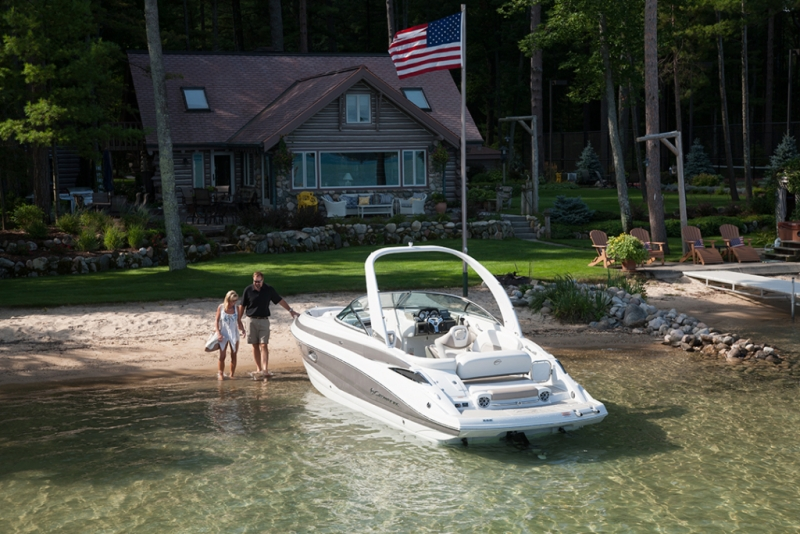 crownline-boats-super-sport-ss-285ss-01-1024x683-800x534