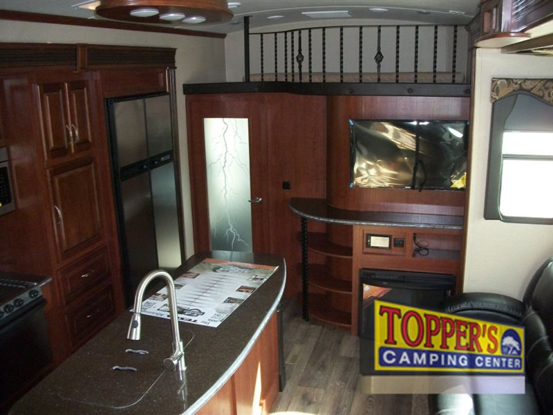 Evergreen Tesla 3950 Fifth Wheel Toy Hauler Deal Of The ...