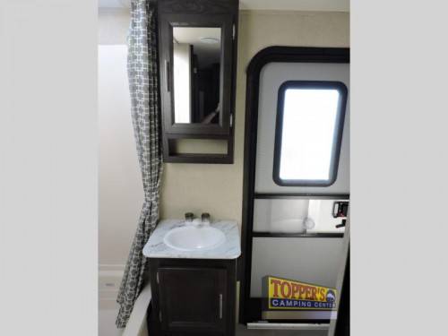 Dutchmen Kodiak Ultra Lite 299BHSL Travel Trailer Bathroom