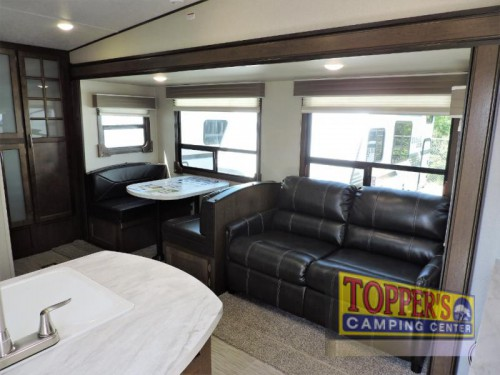 Prime Time Crusader Lite 30BH fifth wheel interior