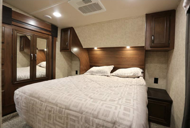 bedroom in sandpiper fifth wheel