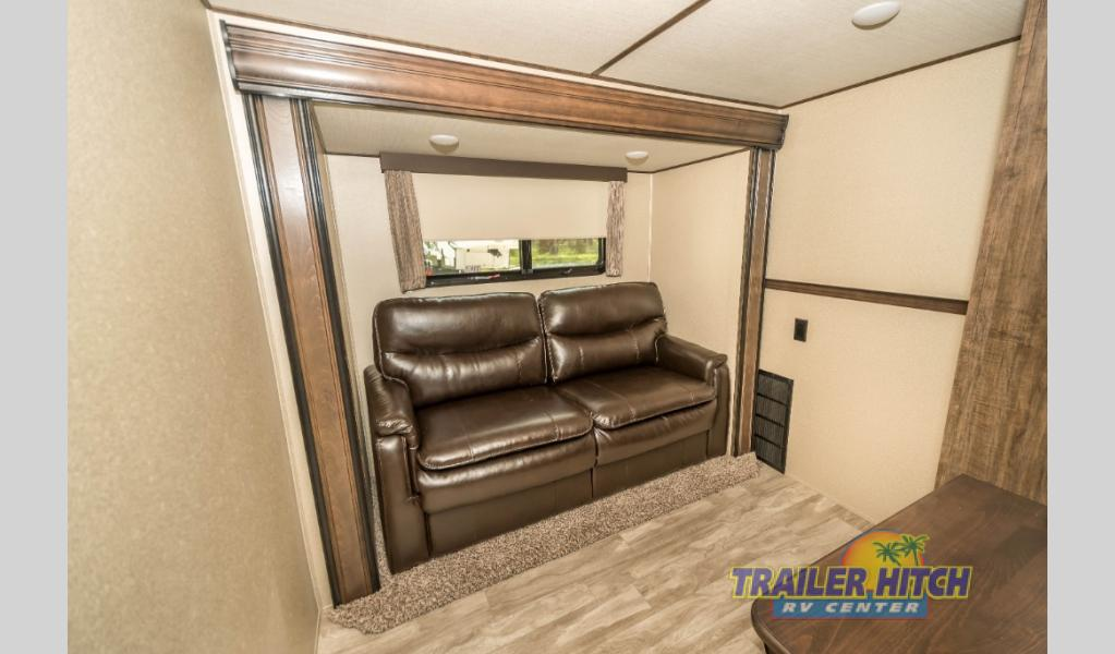 Trailer Hitch RV Special Grand Design Solitude 2nd Bedroom
