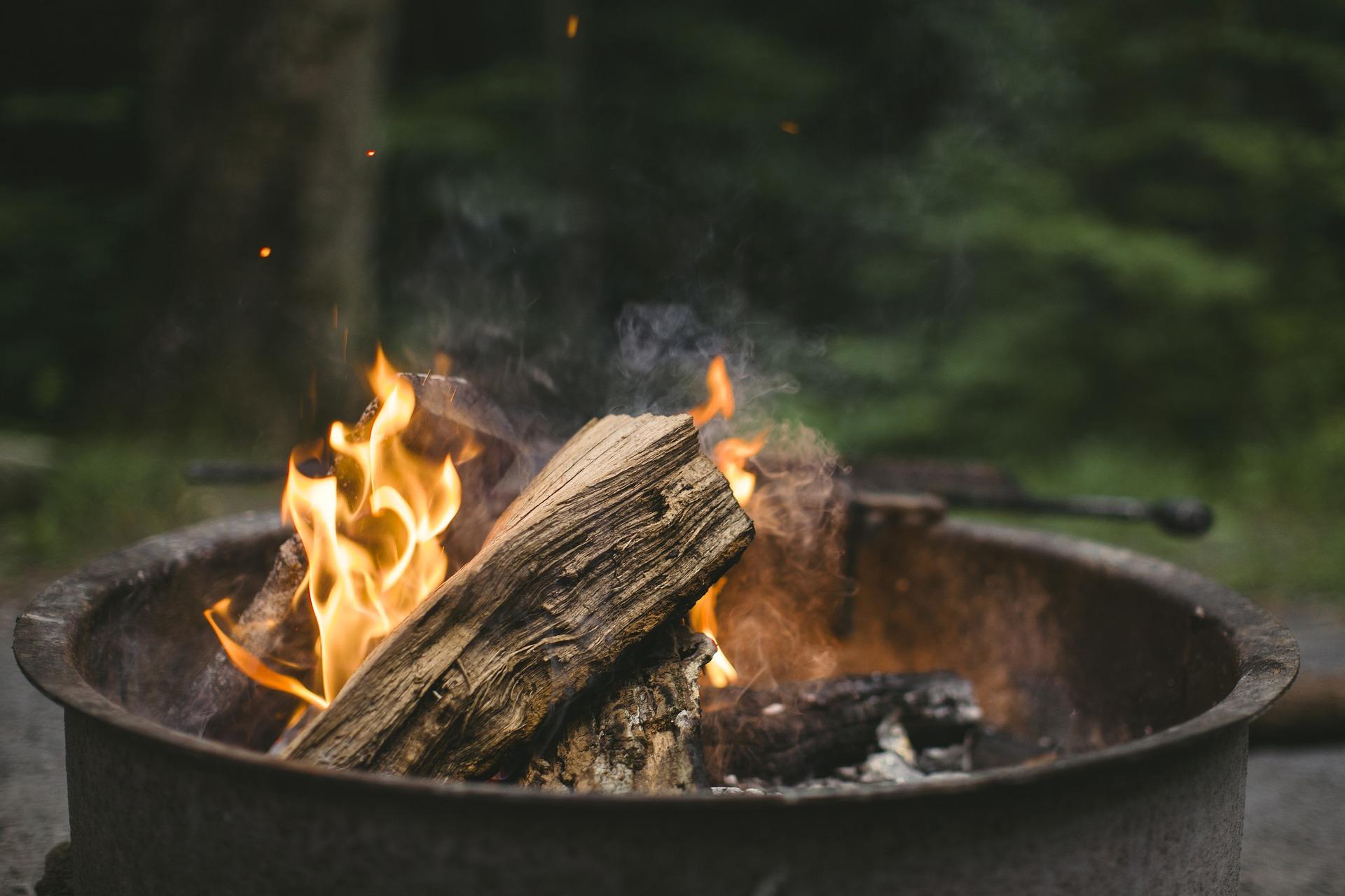 Trailer Hitch RV Camp Fire