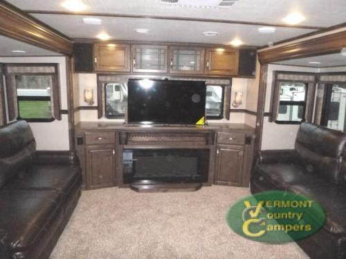 Grand Design Solitude fifth wheel Living Room