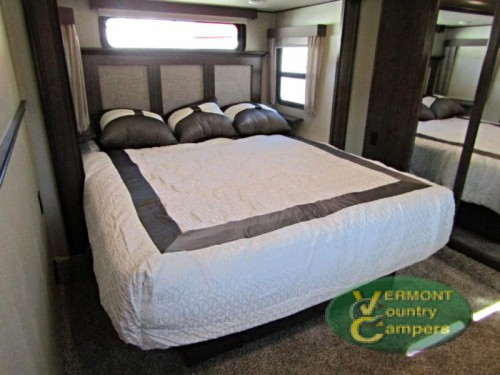 Grand Design Solitude fifth wheel bedroom