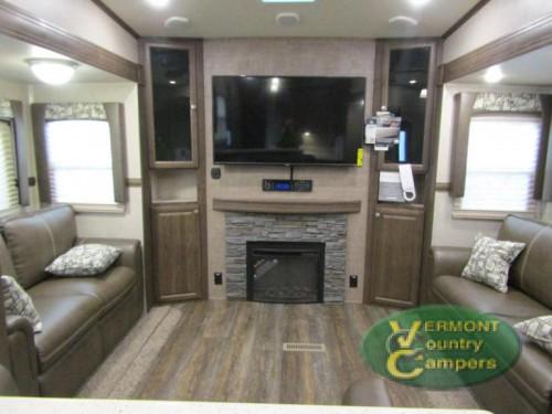 Rockwood Signature Ultra lite Fifth Wheel Living Room