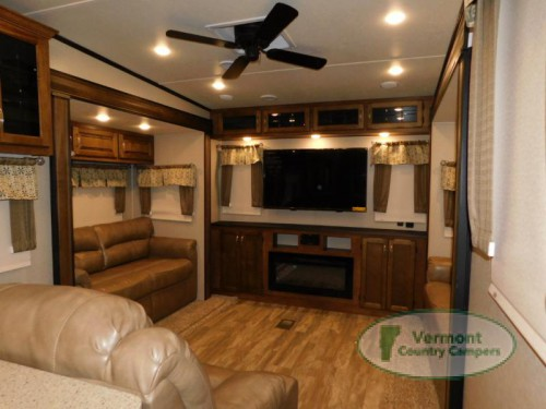 2019 Coachmen Chaparral Fifth Wheel Living Room